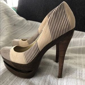 "Jessica Simpson high heel ""Colie"" Women Sz 9.5 M"